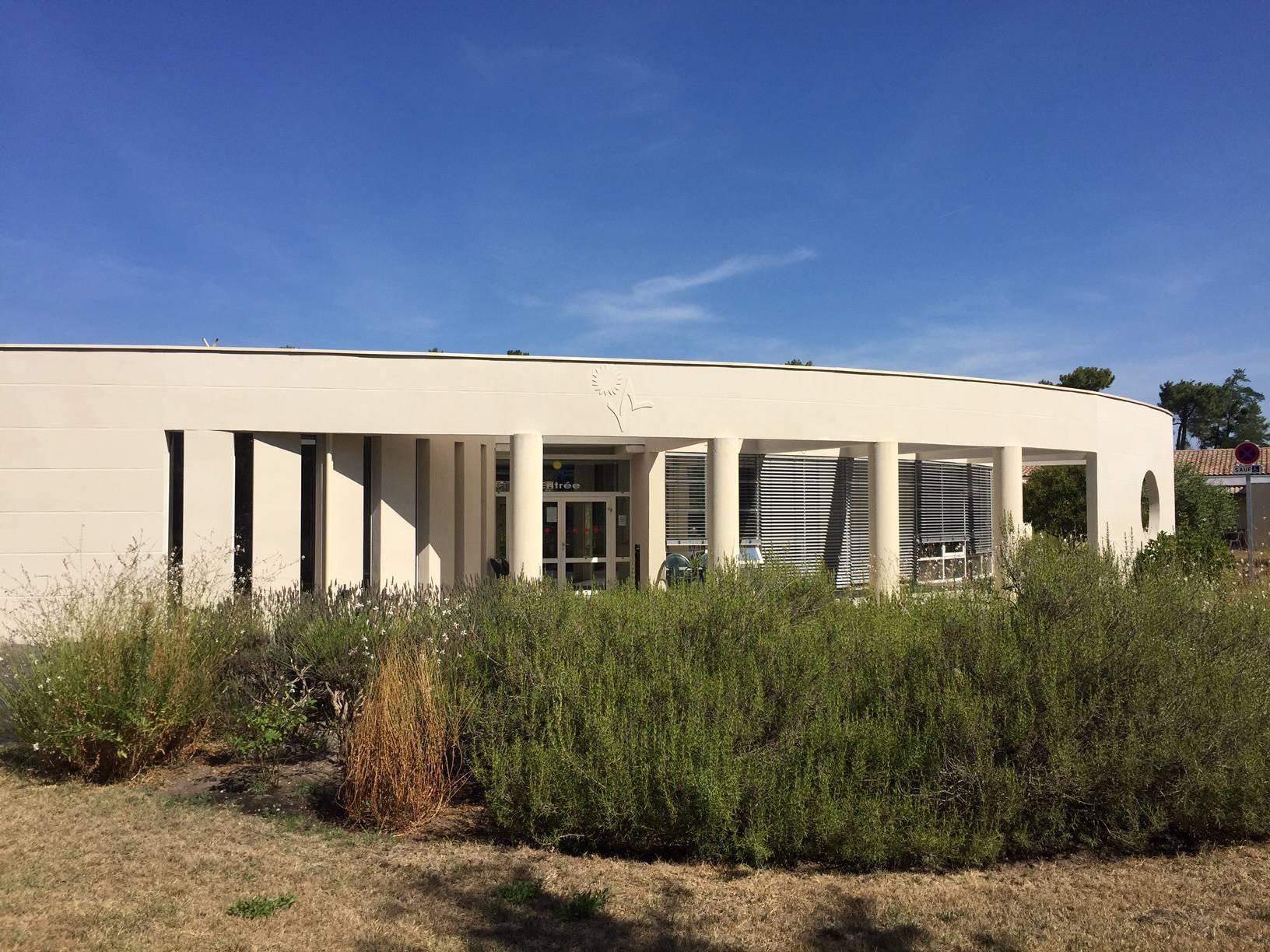 Maison de retraite fondation roux vertheuil medoc for Annuaire maison de retraite