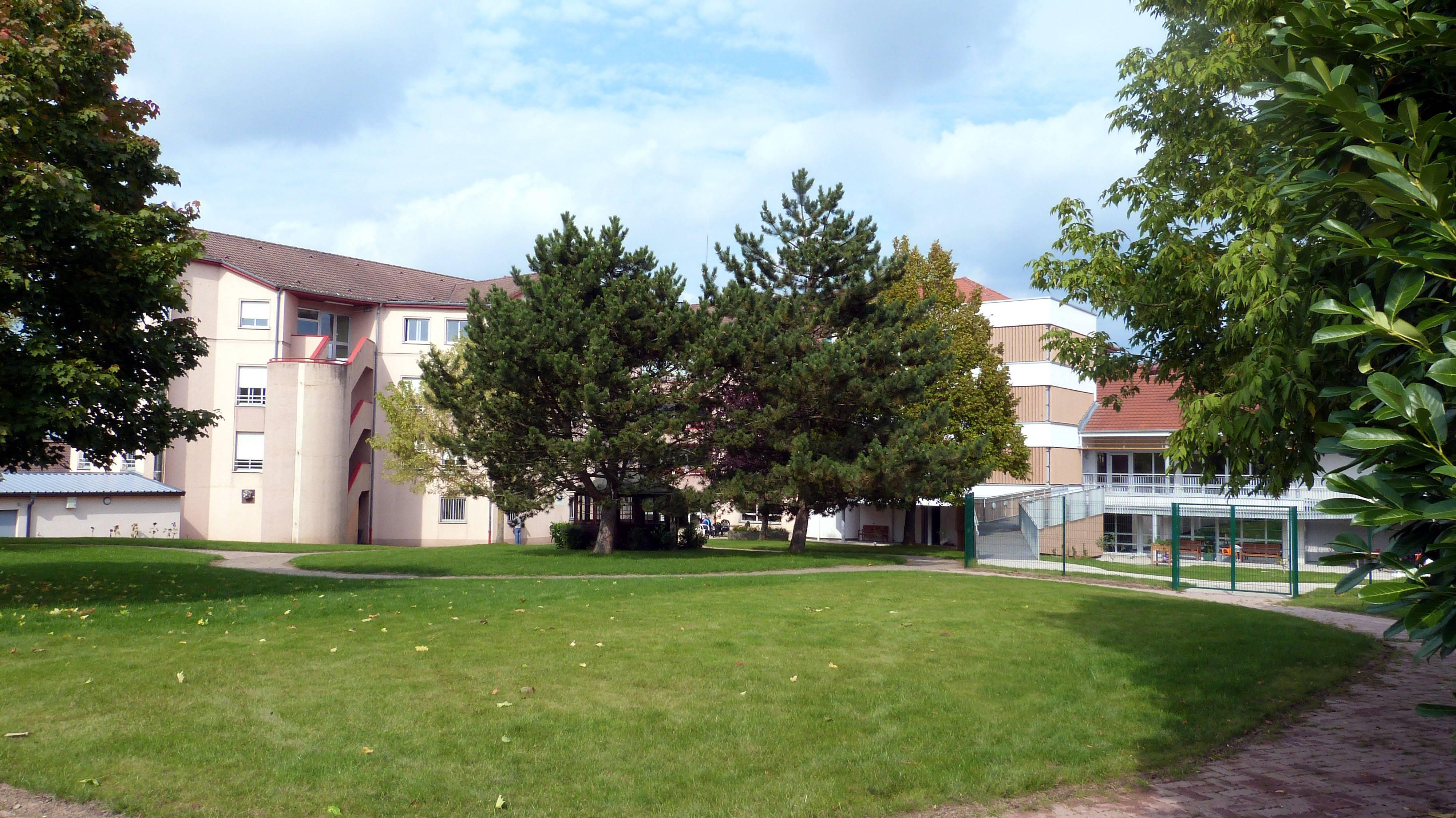 Maison de retraite saint martin charmes f d ration for Annuaire maison de retraite